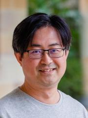 Dr Dong-Hyuk Kim