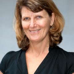 Ms Lynette Molyneaux